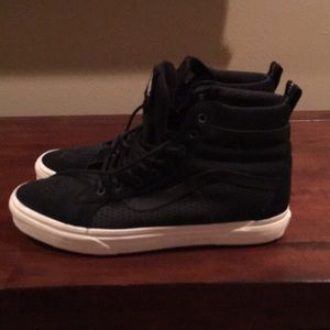 Vans MTE high top SK8 shoes never worn once!!